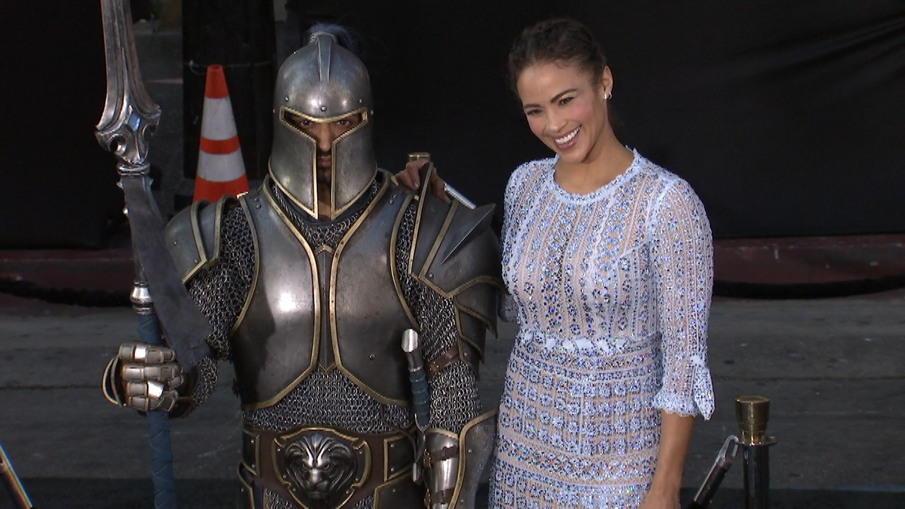 Wow Warcraft Red Carpet Premiere With Sexy Paula Patton